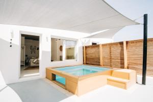 Mesanto Luxury Suites