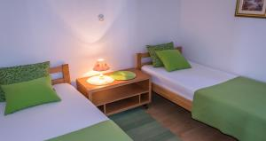 Apartments by the sea Rastici (Ciovo) - 4823, Apartmanok  Trogir - big - 25
