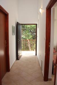Apartments by the sea Rastici (Ciovo) - 4823, Apartmanok  Trogir - big - 35