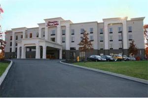 Hampton Inn and Suites Jamestown - Hotel