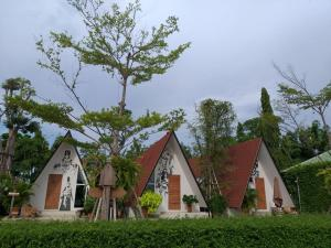 The MuG Resort - Ban Suan Maphrao