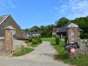 Spacious Cottage with Private Garden near Sea in Normandy