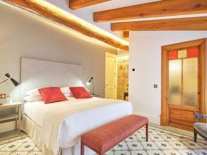 Hotel Glòria de Sant Jaume (11 of 64)