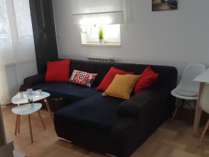 Apartment with garage Lavici - Hotel - Zagreb