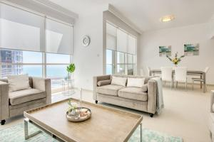 Beachfront Two Bedroom in JBR by Deluxe Holiday Homes - Dubai