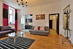 KM Castle Apartment Kiełbaśnicza