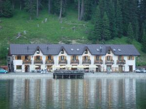Quinz - Locanda Al Lago - AbcAlberghi.com