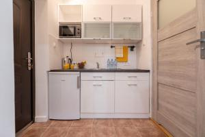 Yellow Apartment in City Centre by Apart Service