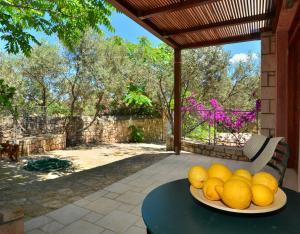 PYRGOS RALLI ESTATE Apartments and Suites Aegina Greece
