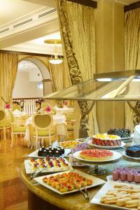 Radisson Royal Hotel (12 of 59)