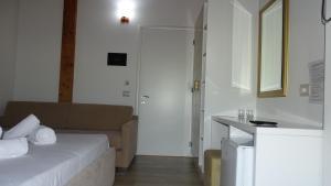 Hotel Beach Restaurant Fabio, Apartmanhotelek  Borsh - big - 103