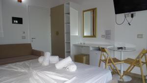 Hotel Beach Restaurant Fabio, Apartmanhotelek  Borsh - big - 98
