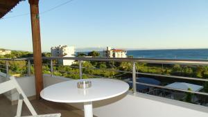Hotel Beach Restaurant Fabio, Apartmanhotelek  Borsh - big - 65