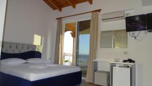 Hotel Beach Restaurant Fabio, Apartmanhotelek  Borsh - big - 29