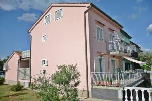 Apartment Lucia - Hotel - Omišalj