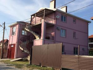 Гостевой дом На улице Генерала Кармалина, Голубая Бухта
