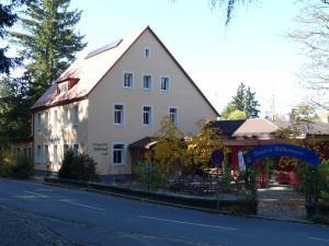 Hotel Berggasthof Waldlust - Bad Alexandersbad
