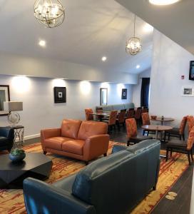 Hawthorn Suites by Wyndham Vienna VA