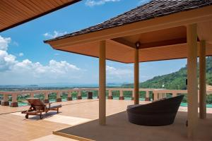 CHIC 4 BR VILLA WITH JACUZZI AND OCEAN VIEW - Ban Na Sat