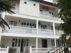 Гостевой дом Белый дом, Гонио