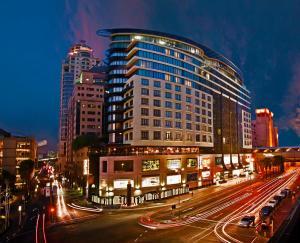 DaVinci Hotel on Nelson Mandel..