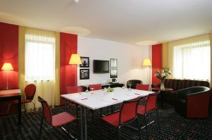 Vienna House Easy Airport Bucharest, Hotely  Otopeni - big - 24