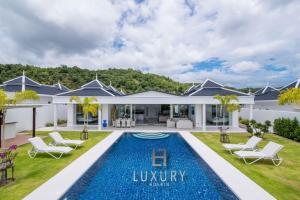 obrázek - Luxury Modern 4 Bedroom Pool Villa - FH