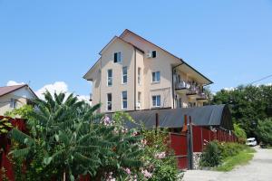 Хостел Уютный отель на Декабристов 103б