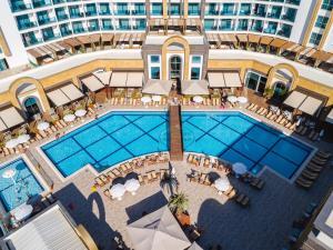 The Lumos Deluxe Resort Hotel ..