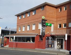 The Waratah Hotel