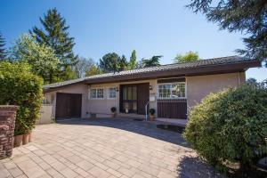 Villa-Doerr 100 m² + 1500m² Garten