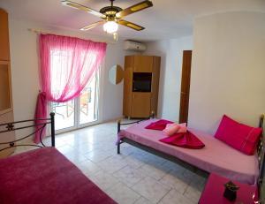 Villa Dimitris Apartments & Bungalows, Apartmány  Lefkada - big - 29