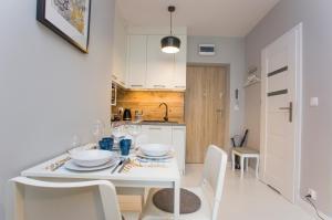 Uroczy Apartament w Centrum Nowy Świat 18