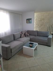 Luxury duplex Armand Durres, Apartmanok  Golem - big - 56