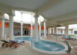 Grand Palladium Lady Hamilton Resort & Spa (6 of 94)
