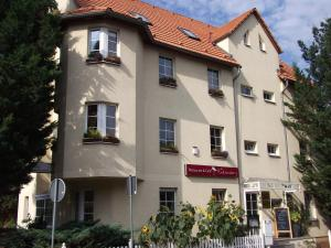 Pension & Restaurant Am Krähenberg - Brachwitz