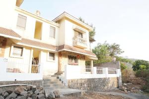 OYO 40955 Lakeview Bungalow in Lonavala