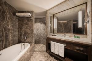 Shangri-La's Eros Hotel (32 of 53)