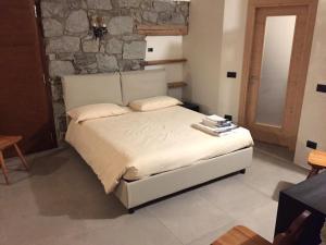 camera doppia + divano letto vicino Ponte di legno - AbcAlberghi.com