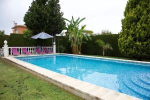Villa con piscina y para 10 personas próxima al pueblo La Eliana, Valencia