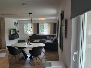 Haus Adrian - Apartment - Wald am Arlberg