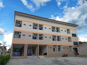 V2 Hotel - Nang Rong