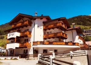 Hotel Berghof - Nauders