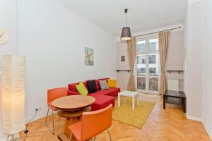 Charming river apartment • Old Town