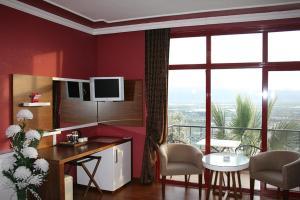 Nysa Hotel