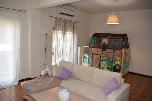 Fully renovated apartment in Kastella • Piraeus