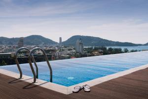 Patong apartment infinity pool sea view