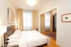 Spacious elegance in the heart of Old Town