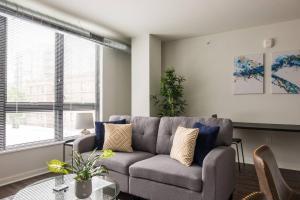 obrázek - East Side's Best - 1br Suite Next to Lake