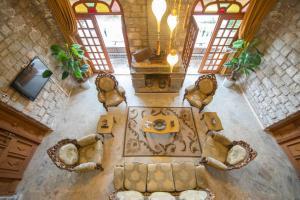 Отель Riverside Inn, Акьяка